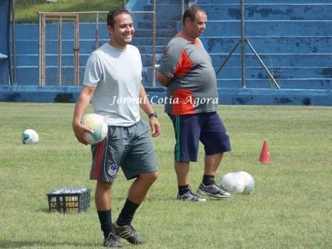 Descontração do preparador físico Leandro Verdelho