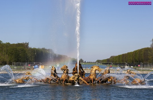 Versailles cavalos lago