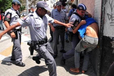 policia - eduardo enomoto