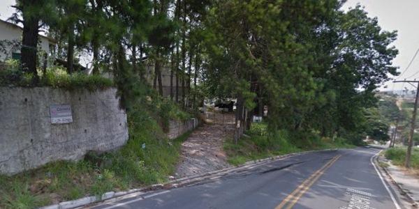 Entrada da antiga sede da Corneta, na Estrada Velha de Itapevi, no Lageado. Foto: Google