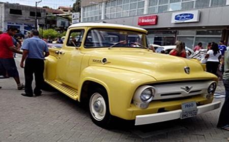 São Roque promove o 14° Encontro de Automóveis Antigos
