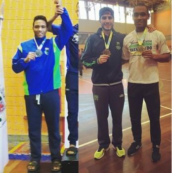 Leandro (prata), Henrique (bronze) e Vinicius (ouro)