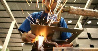 Indústria paulista demitiu 2.500 trabalhadores em agosto. Cotia teve pequena queda