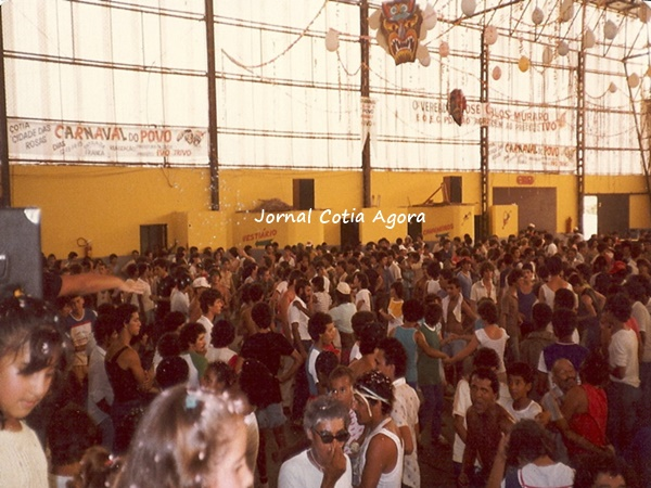 1983. Agito e muita alegria na matinê do Suvacão.