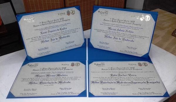 Diplomas do Prêmio Cátedra Abertis - USP