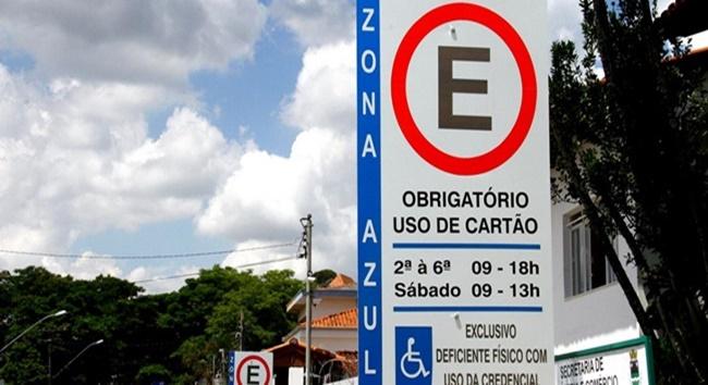 Zona Azul de Cotia tá liberada por duas horas para pessoas acima de 60 anos