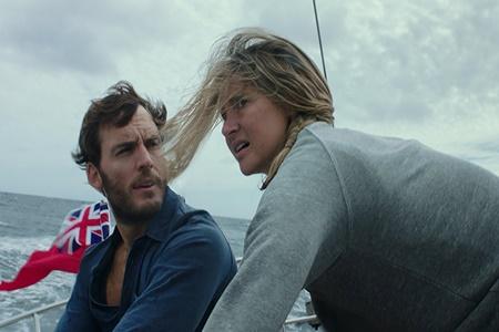 """Amor e medo no naufrágio: """"Vidas à Deriva"""""""