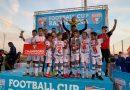 Jovens de escolinha de futebol de Cotia conquistam título em Barcelona
