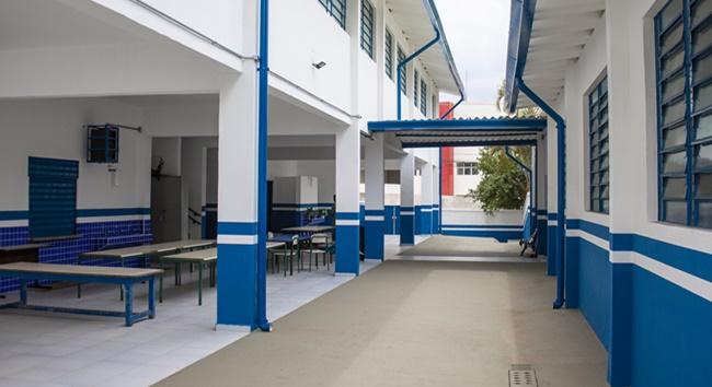 Aulas das escolas de Cotia, Barueri, Osasco e Carapicuíba retornam segunda-feira