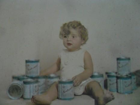 Georges ainda bebê em comercial da Nestlé