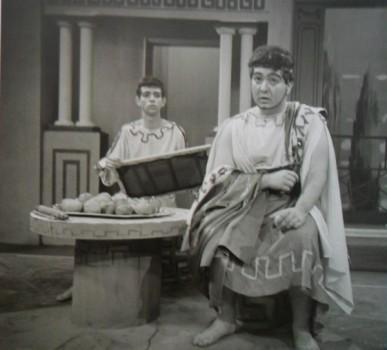 Outra cena de Timon, George (ao fundo) e Ricardo Gouveia, na TV Tupi