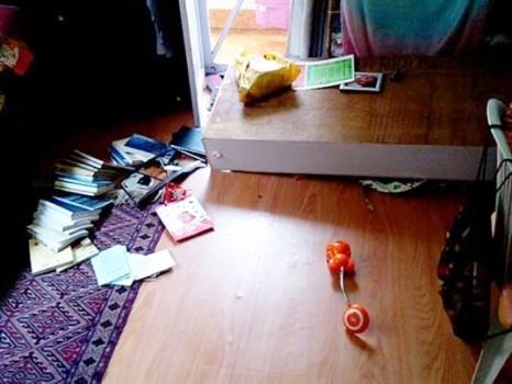 Objetos no chão após o tremor