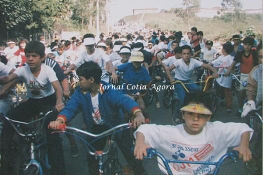 Mais de mil ciclistas que perdia de vista, perto do hospital