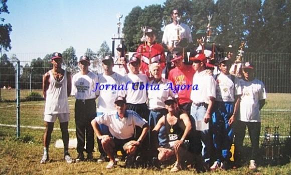 Anos 90, equipe de Cotia e região no interior de Minas Gerais. Equipe comandada por Marcênio e Toninho Mansur (ao centro)