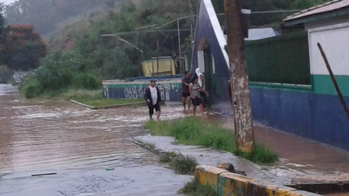 Frente de escola no Panorama, em click de Thalita Moura