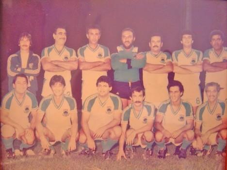 Em 1983 o time da Câmara de Cotia tinha o Juca debaixo das traves.
