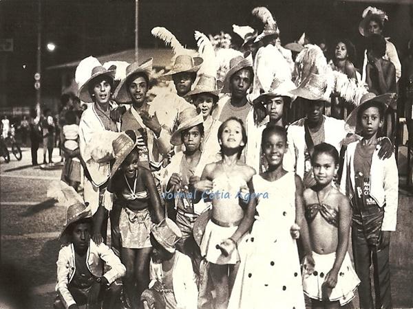 1985: Membros da Gresmac na Praça da Matriz