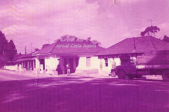 Antigo posto de gasolina nos anos 60. Hoje ali é a entrada do retorno para Vargem Grande