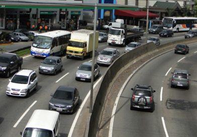 Em 6 meses Cotia recebeu quase 2,5 mil novos carros nas ruas