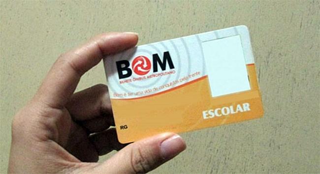Estudantes de Cotia e região tem até domingo para pedir ou revalidar o Cartão BOM Escolar