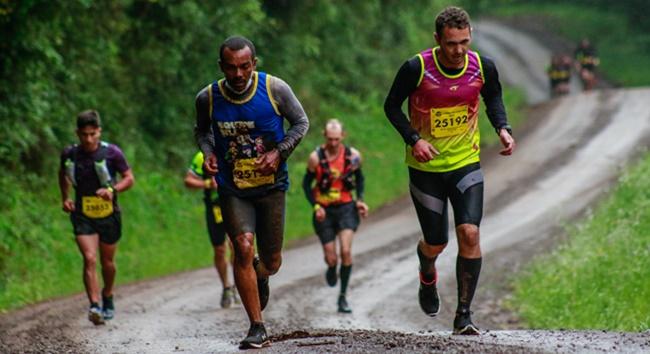 Com frio e trilhas difíceis, atletas de Cotia se dão bem em prova no Sul